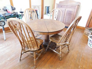 Oak pedestal table & chairs | by thornhill3