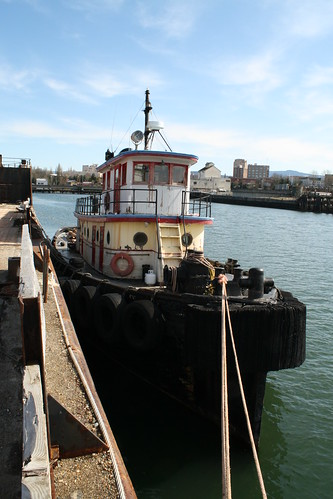 A rusty rotting tug | by Ron K2009