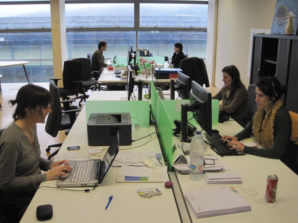 oficina girona cooperativa som energia oficina a girona