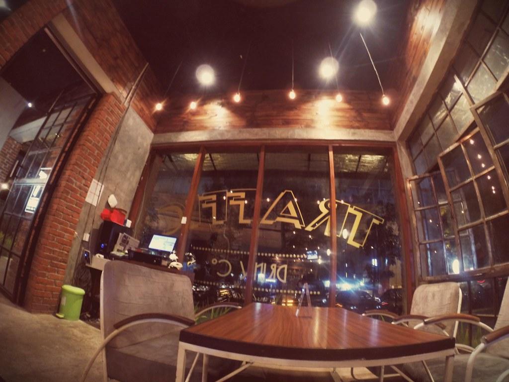 Traffic - Coffee Beer Kitchen | Jalan Pasteur 11A Bandung - … | Flickr