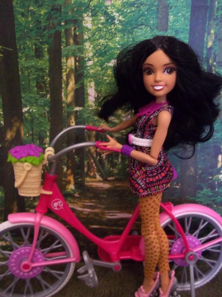 Demi Lovato Long Straight Hair