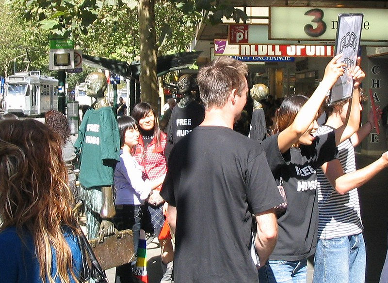 Free hugs in Swanston Street, Melbourne, April 2007