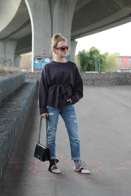boyfriend-jeans-and-ballerinas-whole-look-wiebkembg
