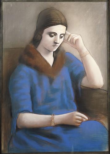 17c29 Olga pensive Paris hiver 1923 2 Uti 425