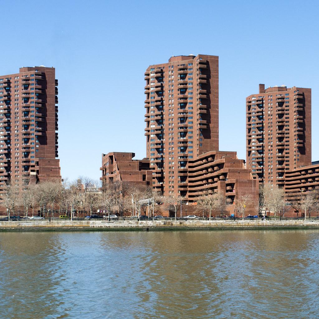 East River Landing A K A 1199 Plaza Stephan D 252 Rr Flickr