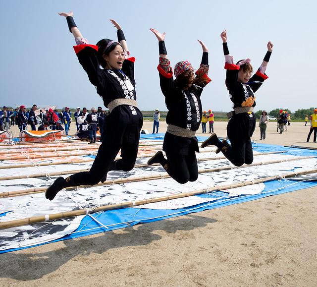 "yokaichi girls ""hyakunin isssu"" dance lesson 1 hour yokaichi share the post boys and girls will all enjoy this fun and easy dance experience."