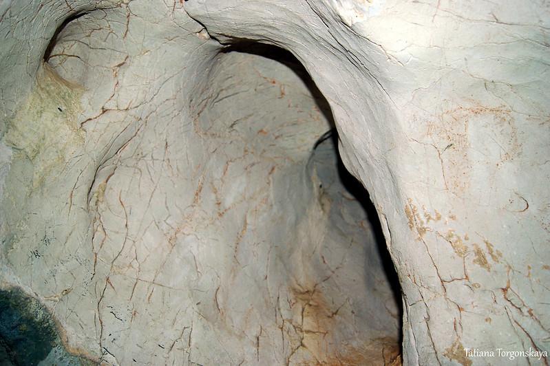 В илийиной пещере
