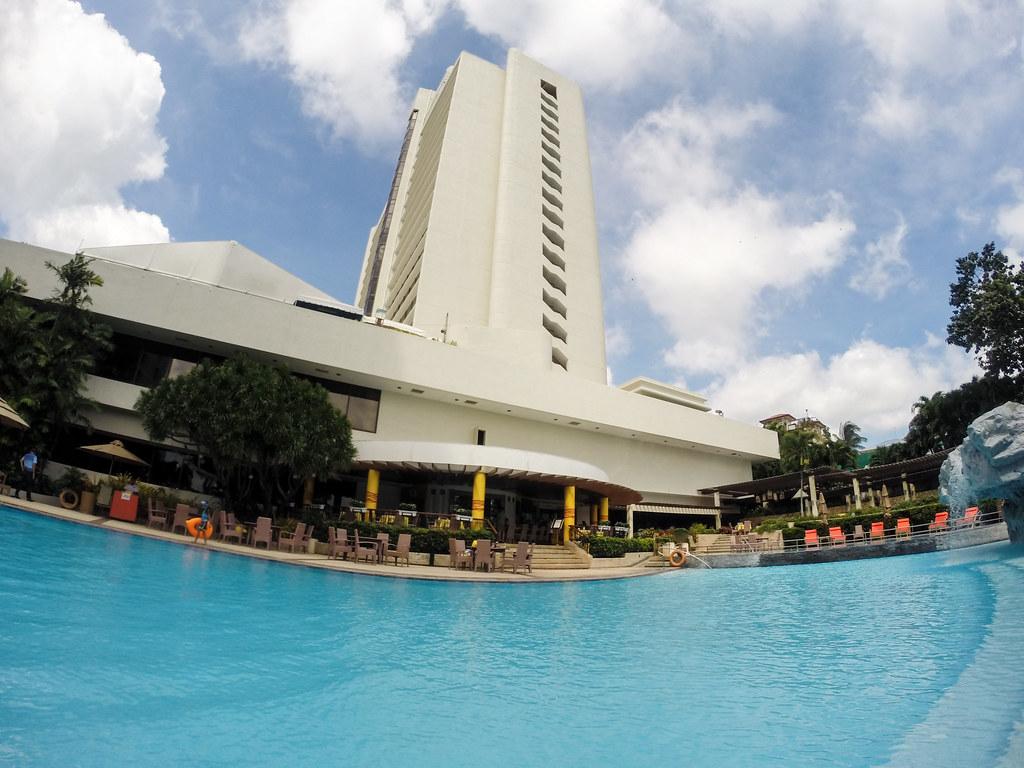 Marco Polo Plaza Cebu - The Continental Club-19