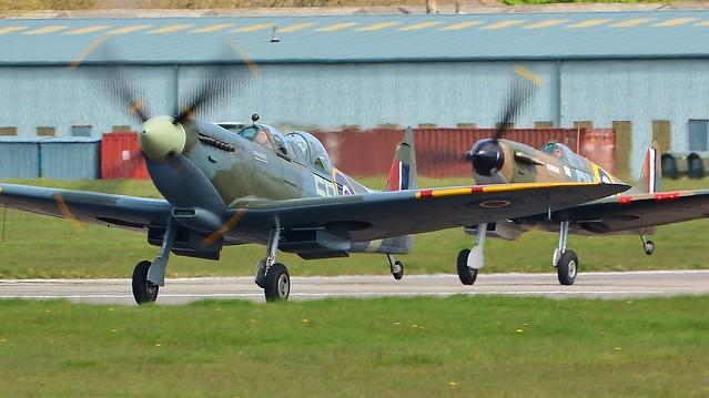 Spitfire XIT PV202 G-CCCA & Ia N3200 G-CFGJ 6848