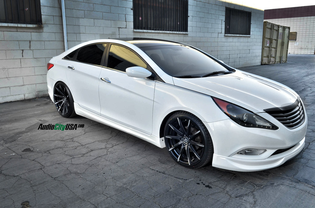 2012 Hyundai Sonata On 20 Quot Lexani Css 15 Matte Black Face