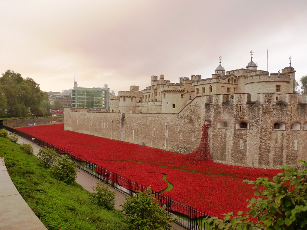 Tower Of London World War Rememberance Poppy River Londo Flickr - Tower of london river of poppies