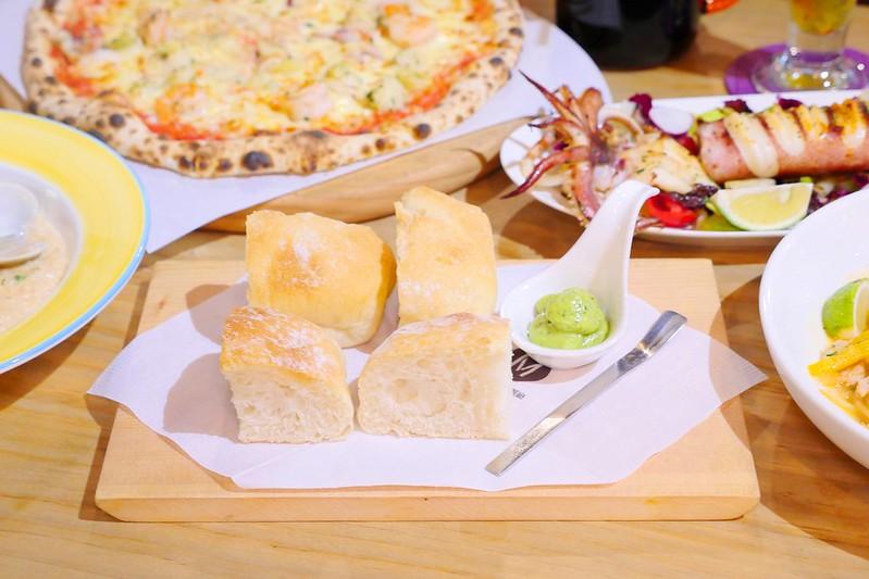 32887326381 105b2554c2 c - 【熱血採訪】默爾義大利餐廳:漂亮歐風裝潢義式餐酒館 想吃義大利麵 燉飯 披薩 啤酒或焗烤通通有!