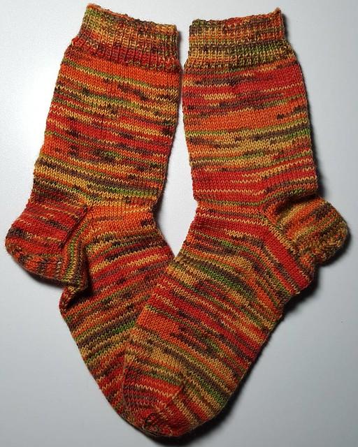 Gestern abend von den Nadeln gehüpft. #Socken aus #Fortissima Socka Mexiko Color in Größe 38/39. #strickenmachtglücklich #stricken #sockenwolle