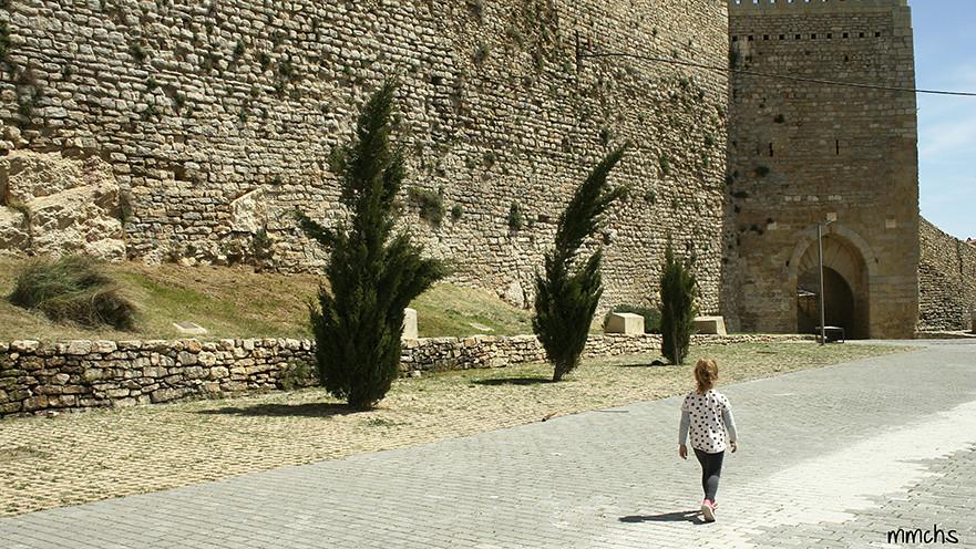 caminando por la muralla de Morella