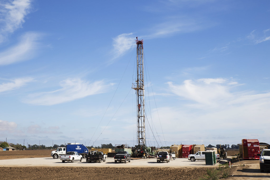 Resultado de imagen de fracking tower