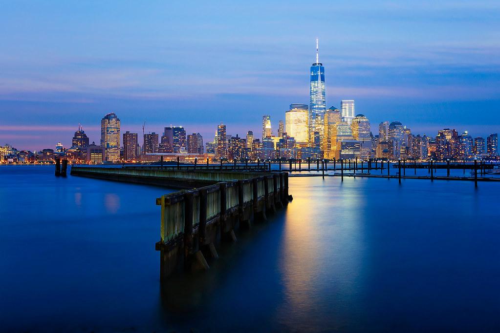 new york new york l 39 heure bleue depuis newport l 39 acc s flickr. Black Bedroom Furniture Sets. Home Design Ideas