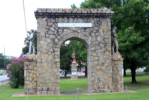 Calhoun, GA Memorial Arch with Sequoyah Statue