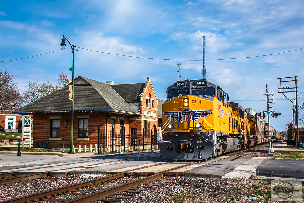Westbound Up Auto Train At Pleasant Hill Mo A Repainted