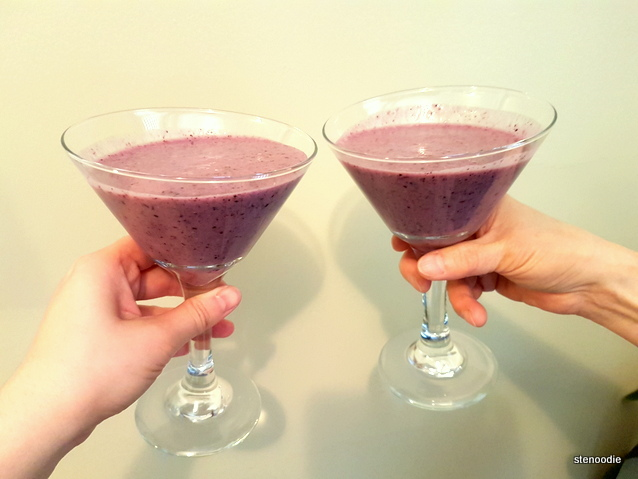 One Kitchen Berry Smoothie