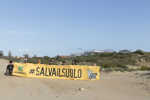 #salvailsuolo
