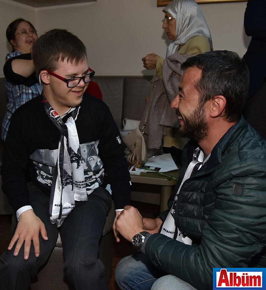 Alanya Beşiktaşlılar Derneği Başkanı Sadık Dizdaroğlu, Down Sendromlu çocuklar ile buluştu.