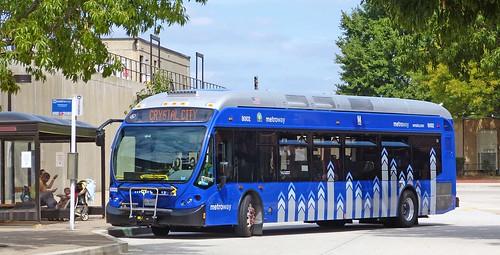 Metro Bus Cleaners Dc : Washington dc metrobus at braddock road metro statio