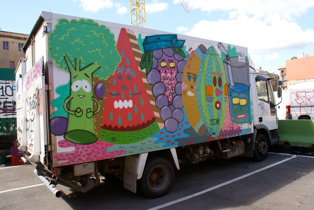 Ce camion de livraison de fruits et légumes revisité.