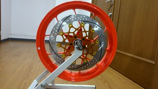 KTM 690 Duke R front wheel with Sunstar racing brake disc