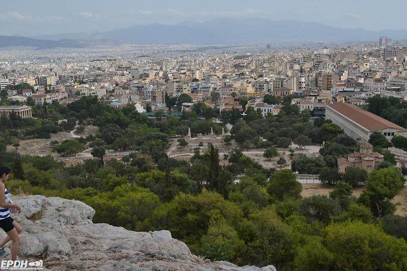Vista del Ágora griega, a la derecha la Stoa de Átalo, a la izquierda el Hefestión
