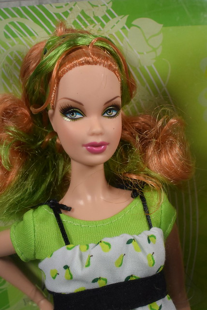 2007 Barbie Top Model Hair Wear Summer M5796 (1)