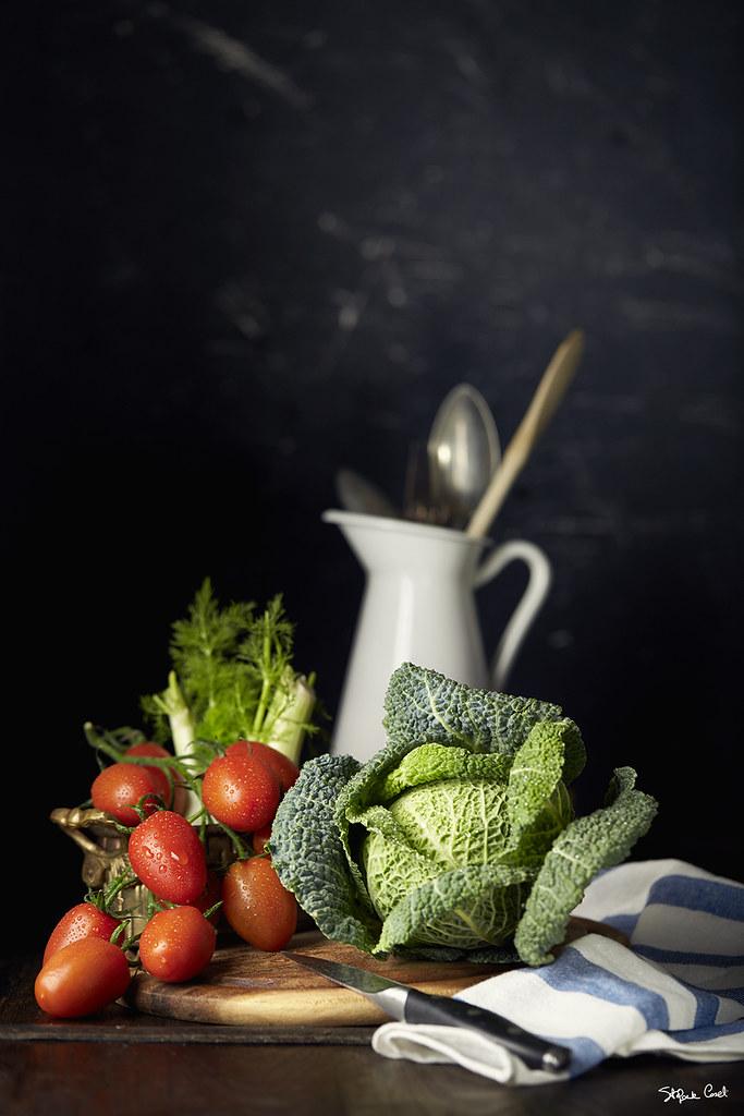 Pomodori e cavolo verde