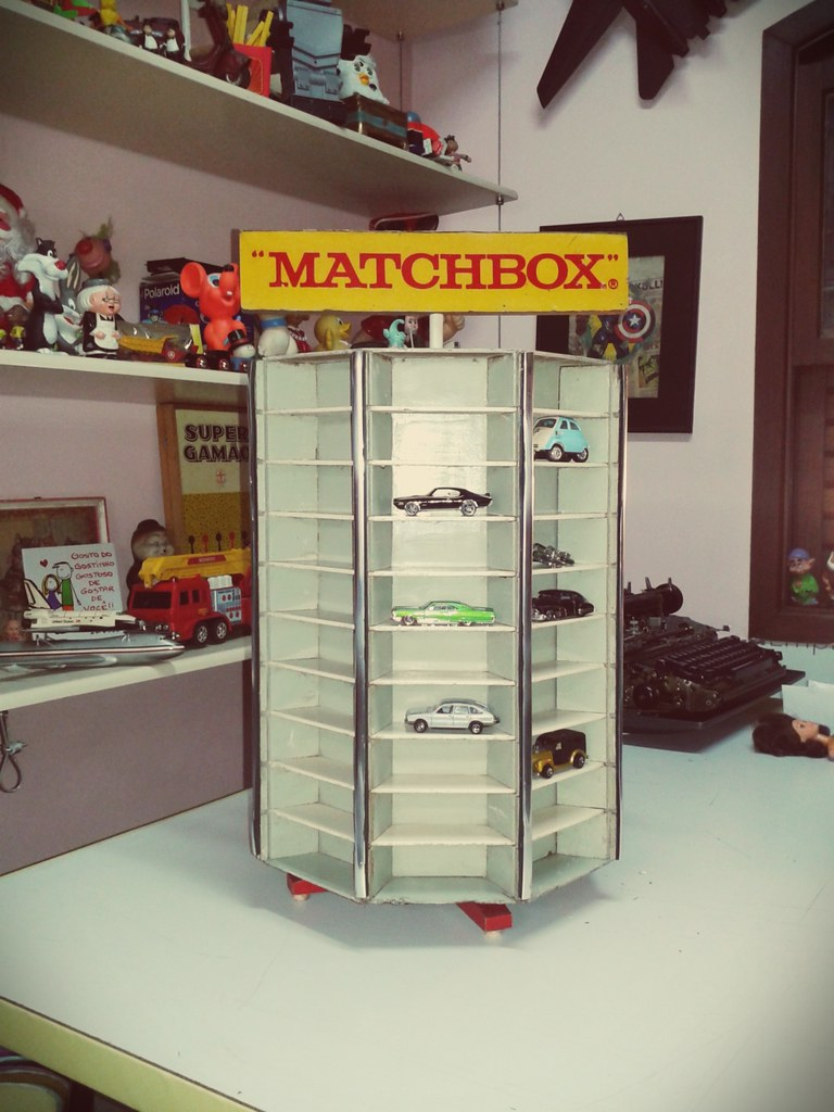 Display Matchbox Lesney Carousel Store Display Case For