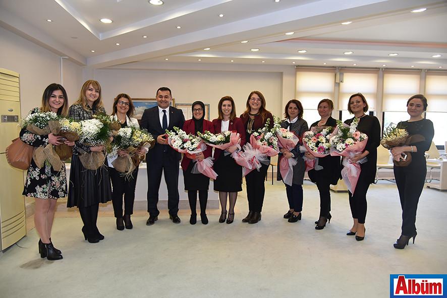 Alanya Belediye Başkanı kadınları kutladı