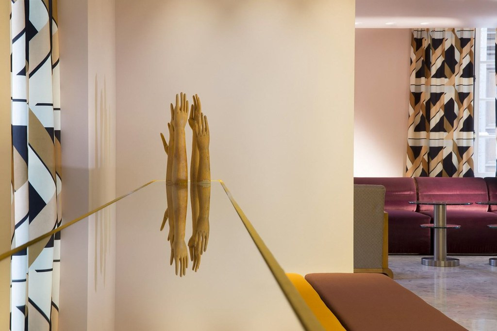 Elegant hotel Saint-Marc in Paris by the Milan design agency DIMORESTUDIO Sundeno_02