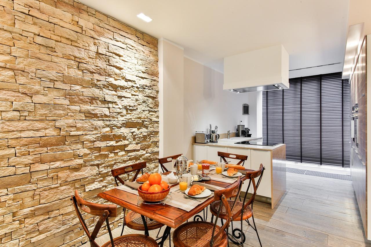 dining-room-2132347_1280