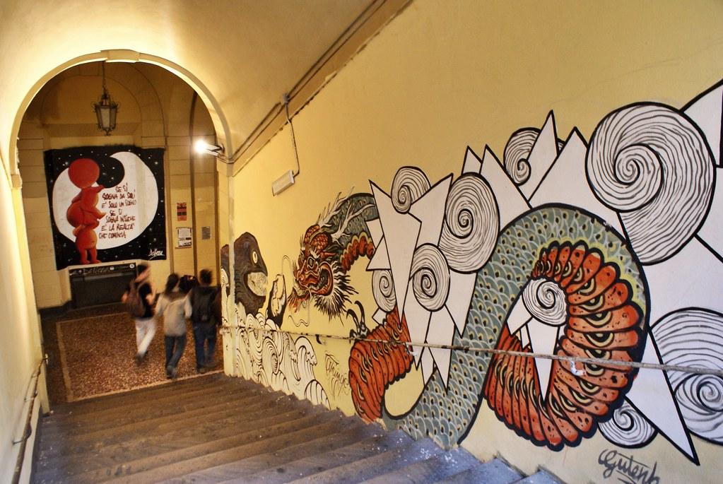 Fresque murale dans la faculté de Sciences humaines de l'Université de Bologne.