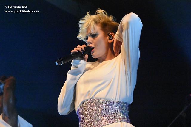 Betty Who 09