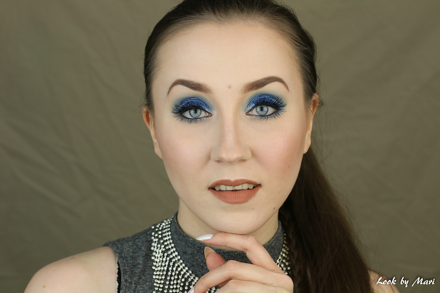 3 nyx face & body glitter 01 Blue review kokemuksia swatch swatches morphe brushes 35U palette