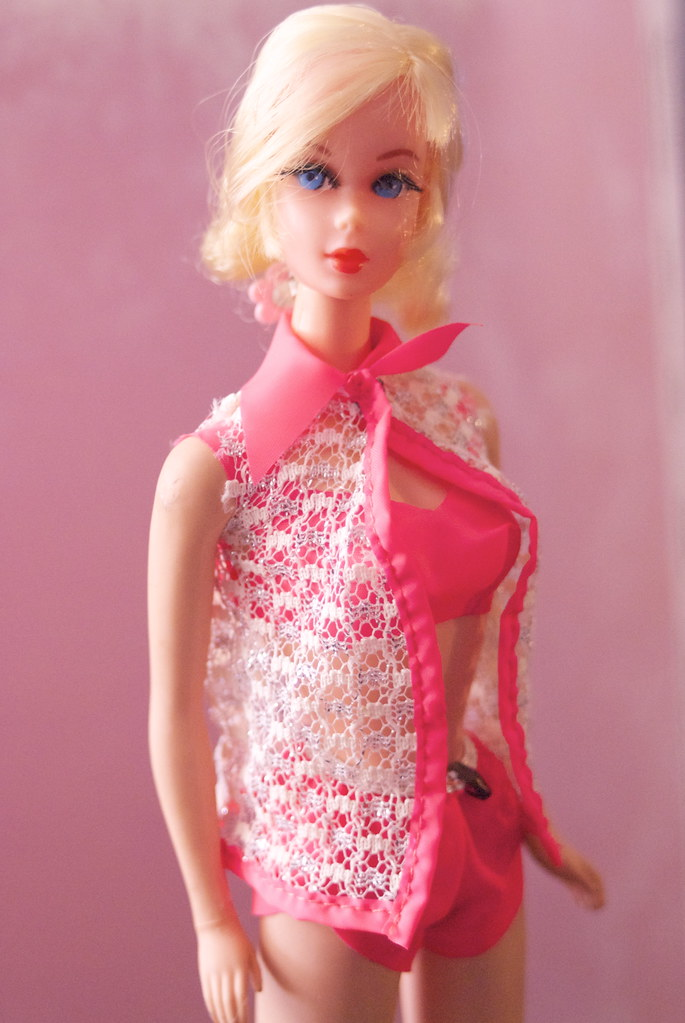 Talking Nape Curl Barbie Blonde Talking Barbie In
