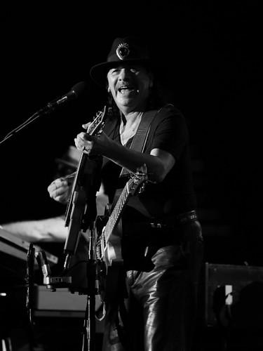 Santana-Carlos Eyes Smile