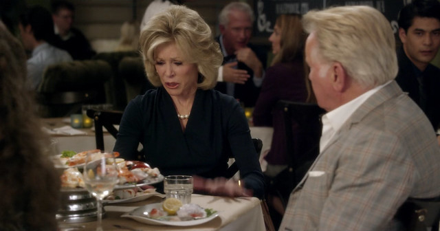 Grace and frankie -01x01- El Fin 04