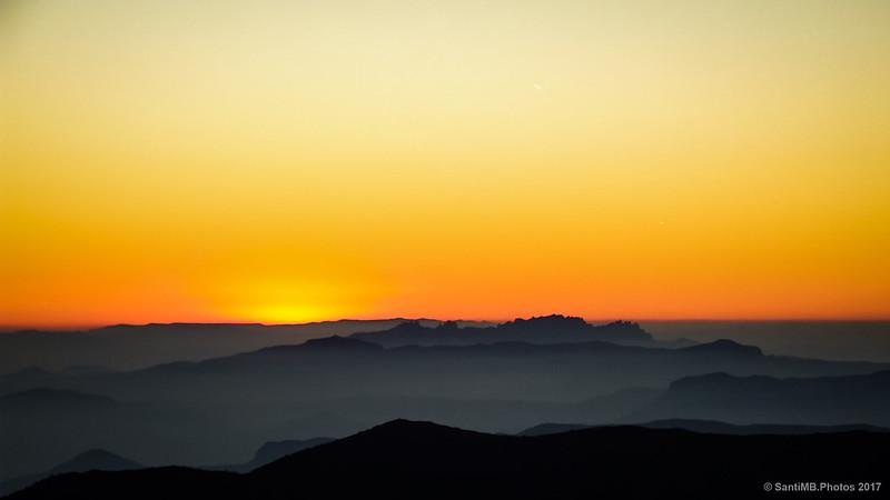 Puesta de sol de otoño desde el Turó de l'Home
