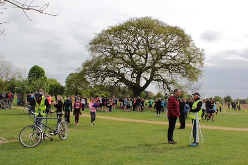 Bushy parkrun #676 - 15th April 2017 (29)