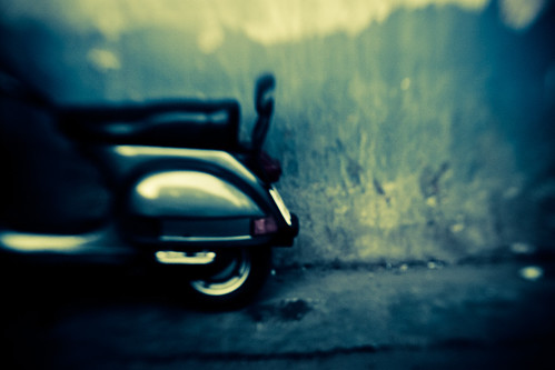 #india #scooter #vespa #graphic #shape #green #crossprocess # blur #static #inde