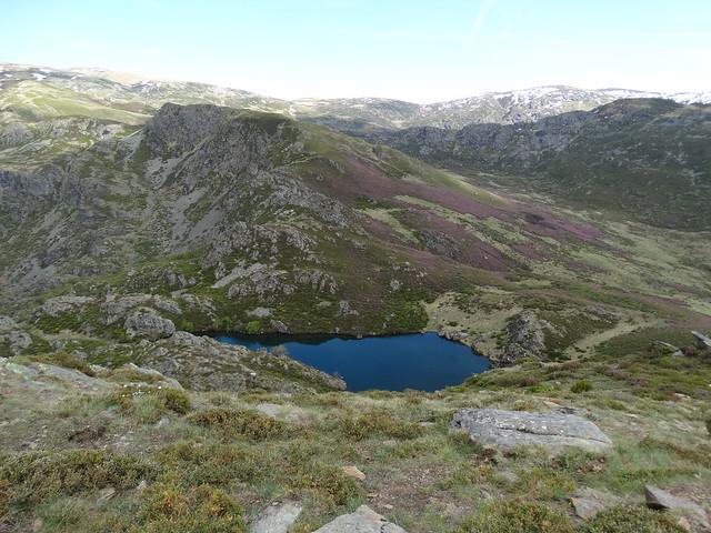 Laguna de A Serpe en el macizo de Trevinca en A Veiga