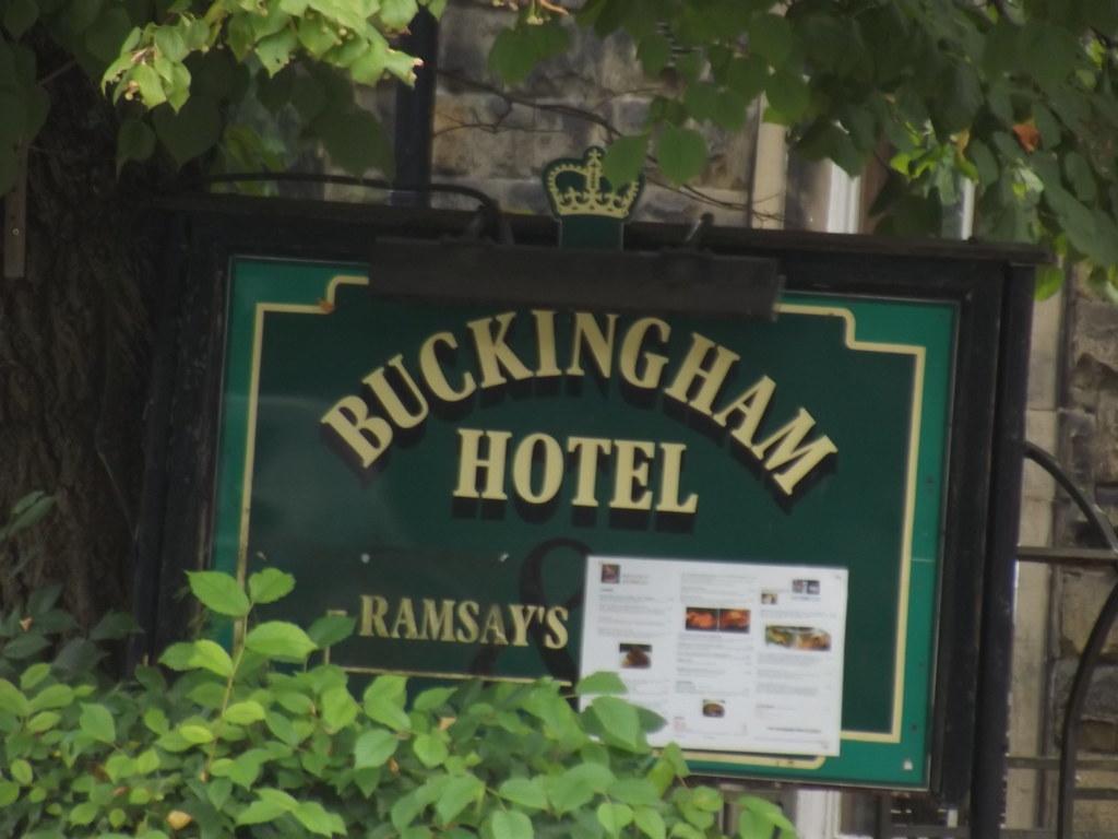 Hotel  Buckingham Palace Road