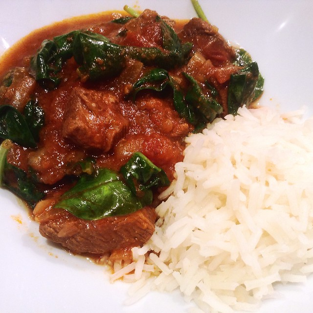 Slow-cooked lamb and spinach curry
