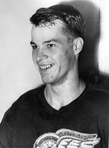 Gordie Howe Young 2