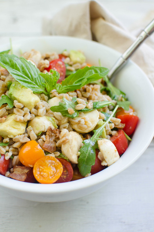Farro Caprese Salad - everything you love about caprese salads plus farro, bacon, and avocado! Quick, easy, and healthy!