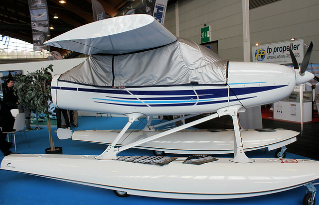 TL3000 Sirius Floatplane